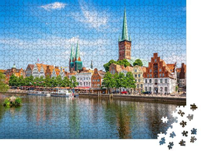 """Puzzle 1000 Teile """"Panoramablick auf die historische Skyline der Hansestadt Lübeck """""""