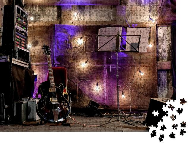"""Puzzle 1000 Teile """"Kleine Jazz-Bühne, bereit für den Auftritt"""""""