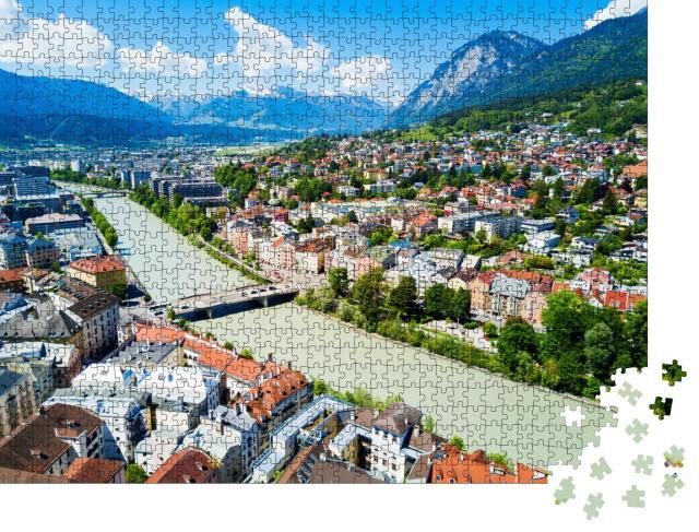 """Puzzle 1000 Teile """"Fluss Inn und Innsbrucker Stadtzentrum von oben"""""""