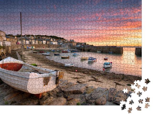 """Puzzle 1000 Teile """"Atemberaubender Sonnenaufgang über Fischerbooten, Cornwall, England"""""""