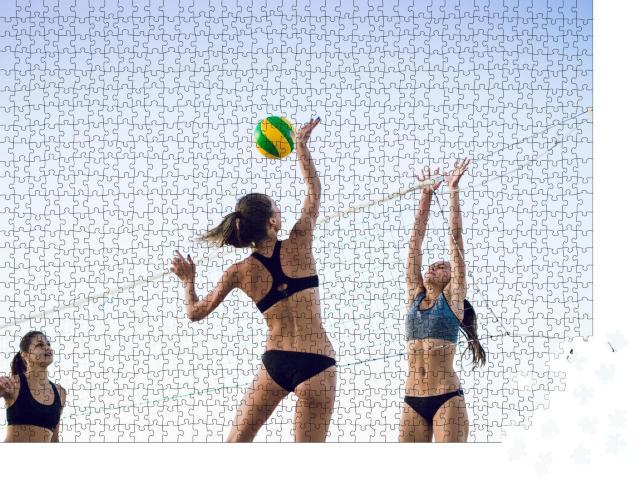 """Puzzle 1000 Teile """"Junge Frauen beim Beachvolleyball"""""""