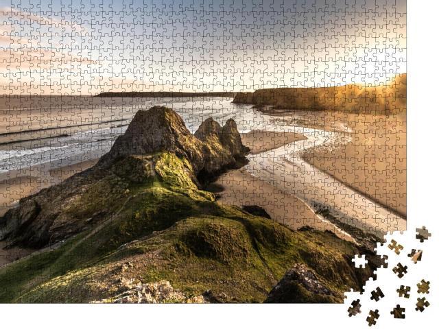 """Puzzle 1000 Teile """"Panoramablick auf den Sonnenuntergang bei Three Cliffs auf der Gower Peninsula, Südwales, Großbritannien"""""""