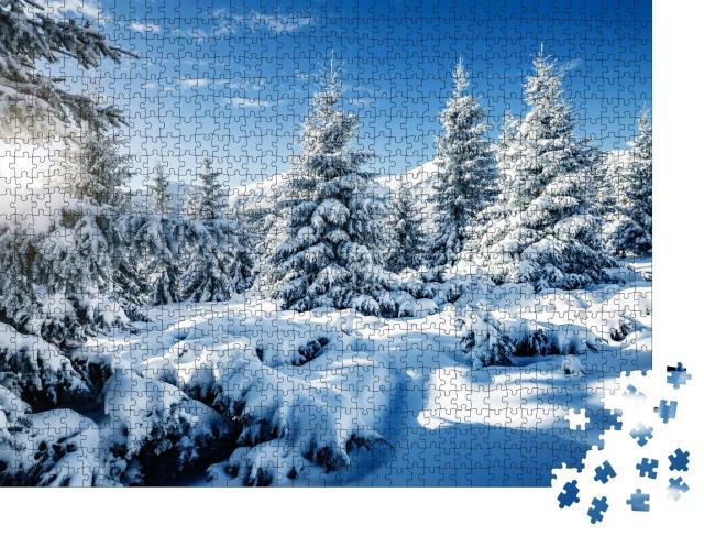 """Puzzle 1000 Teile """"Majestätische, schneebedeckte Fichten im Karpaten-Nationalpark, Ukraine"""""""