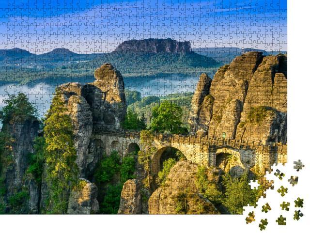 """Puzzle 1000 Teile """"Sonnenaufgang an der Bastei in der Sächsischen Schweiz, Deutschland"""""""