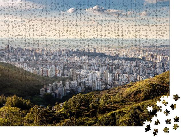 """Puzzle 1000 Teile """"Ein sonniger Nachmittag in Belo Horizonte, Blick von der Serra do Curral """""""