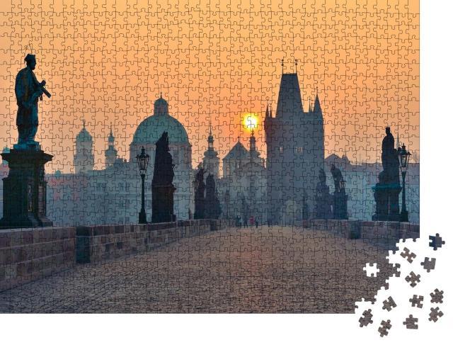 """Puzzle 1000 Teile """"Sonnenaufgang über Prag - Blick von der Karlsbrücke"""""""