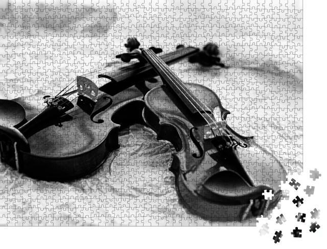 """Puzzle 1000 Teile """"Zwei Geigen, schwarz-weiß"""""""