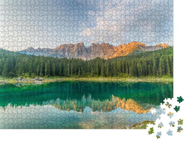 """Puzzle 1000 Teile """"Karersee mit klarem Wasser, Südtirol, Italien"""""""