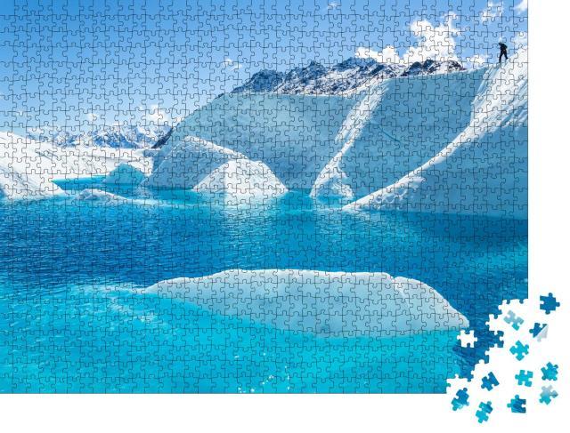 """Puzzle 1000 Teile """"Tiefblauer See auf dem Matanuska-Gletscher"""""""