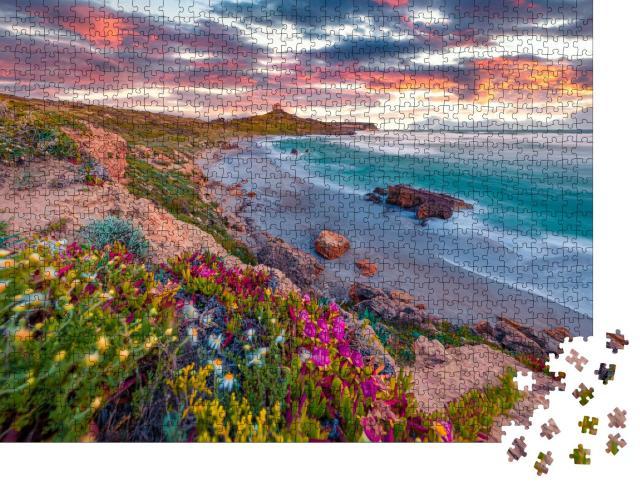 """Puzzle 1000 Teile """"Fantastischer Sonnenaufgang auf Capo San Marco, Mittelmeer, Italien"""""""