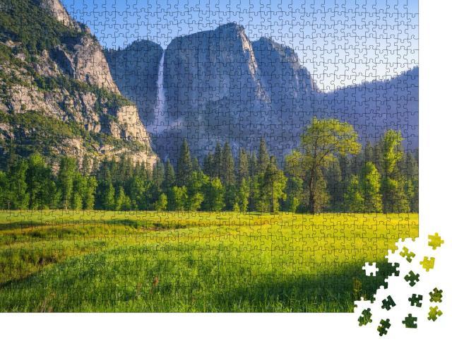 """Puzzle 1000 Teile """"Beeindruckende Yosemite Wasserfälle, Kalifornien, USA"""""""