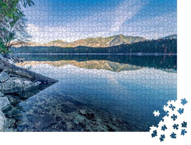 """Puzzle 1000 Teile """"Herbstlicher Blick auf den Eibsee und den Zirmerskopf"""""""