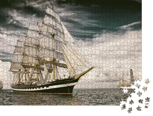 """Puzzle 1000 Teile """"Segelschiff auf seiner Reise über das Meer"""""""