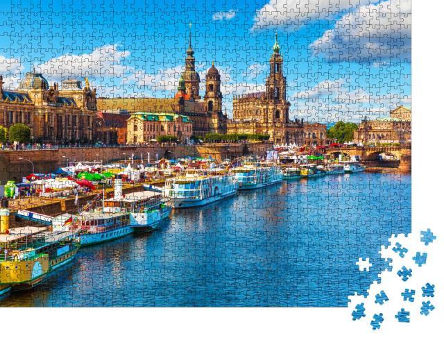 """Puzzle 1000 Teile """"Sommerblick auf die Altstadtarchitektur mit Elbufer, Dresden, Sachsen, Deutschland"""""""