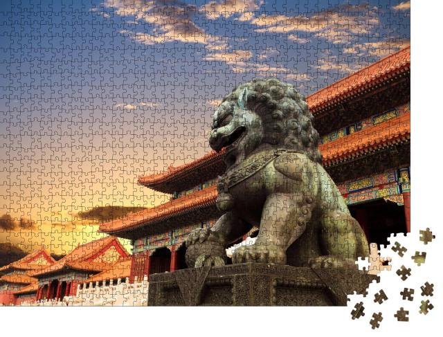"""Puzzle 1000 Teile """"Die Verbotene Stadt mit Sonnenuntergangsglühen in Peking, China"""""""