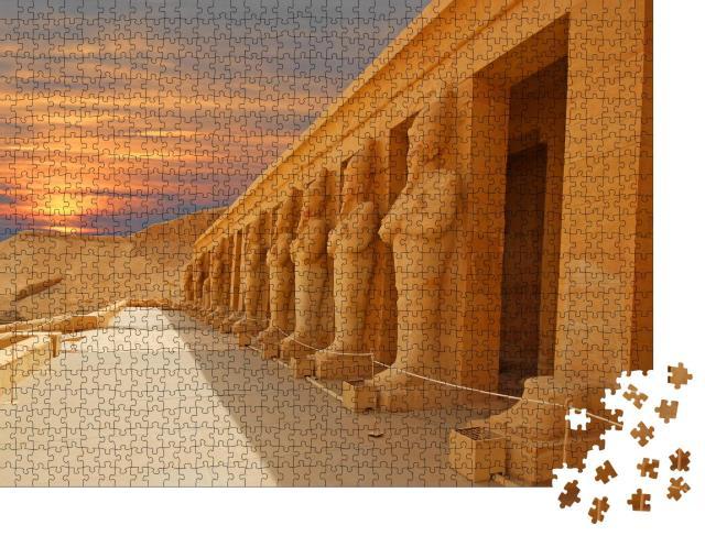 """Puzzle 1000 Teile """"Tal der Könige im alten Theben, heute Luxor, am Morgen, Ägypten"""""""