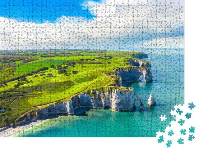 """Puzzle 1000 Teile """"Klippen von Etretat: natürliche Felsen in der Normandie, Frankreich"""""""