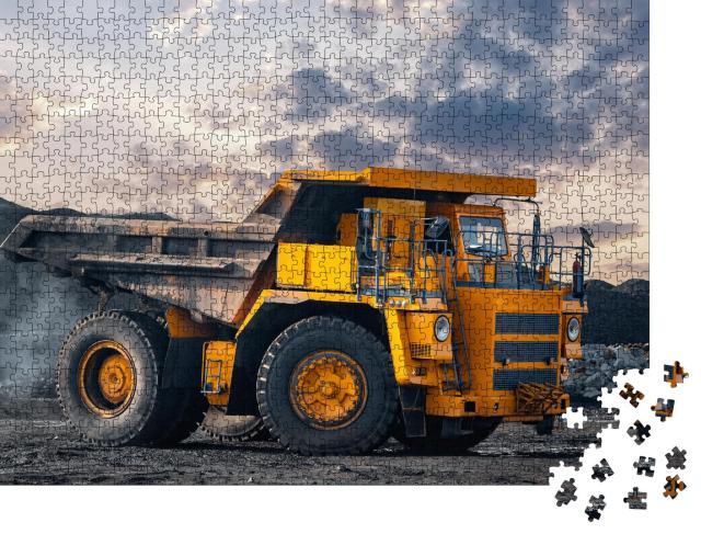 """Puzzle 1000 Teile """"Bergbau-LKW bewegt sich im Kohletagebau"""""""