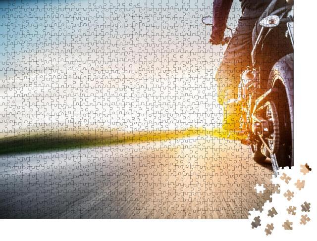 """Puzzle 1000 Teile """"Motorradtour auf freier Straße"""""""