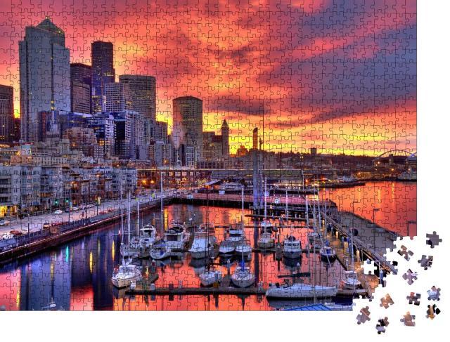 """Puzzle 1000 Teile """"Seattle: Glühender Sonnenaufgang über dem Hafengebiet von Pier-66"""""""
