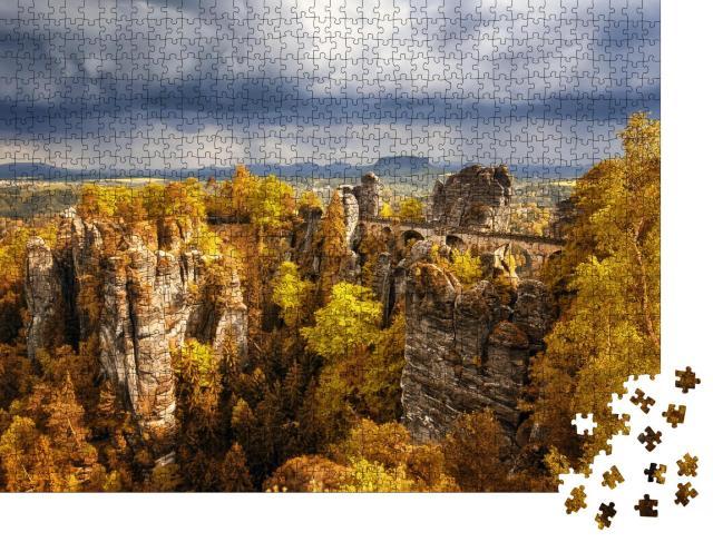 """Puzzle 1000 Teile """"Basteibrücke: Sächsische Schweiz mit herbstlichen Farben, Deutschland"""""""