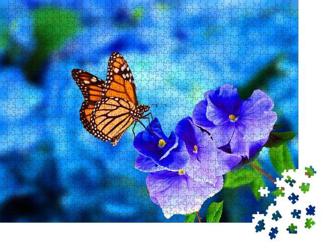 """Puzzle 1000 Teile """"Monarchfalter auf blau-violetter Hortensie"""""""