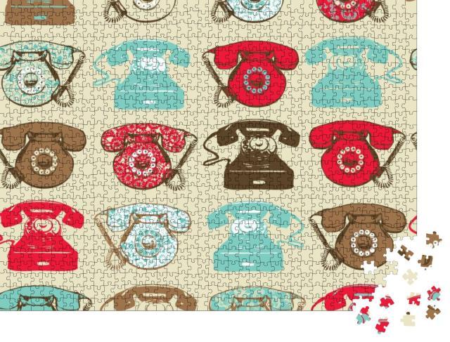 """Puzzle 1000 Teile """"Nahtloser beiger Hintergrund mit Vintage-Telefonen"""""""