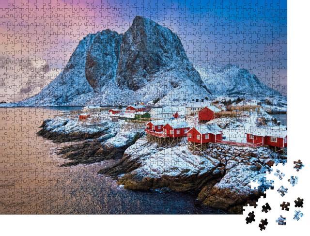 """Puzzle 1000 Teile """"Fischerdorf auf den Lofoten: Sonnenaufgang im Winter, Norwegen"""""""