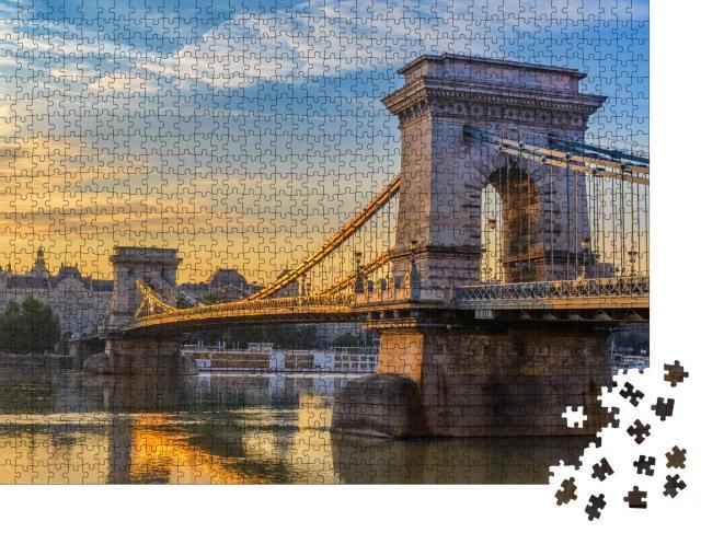 """Puzzle 1000 Teile """"Sonnenaufgang an der Kettenbrücke in Budapest, Ungarn"""""""