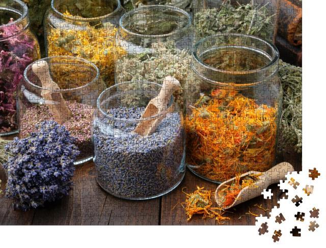 """Puzzle 1000 Teile """"Glasgefäße mit getrockneten Lavendel- und Ringelblumenblüten"""""""