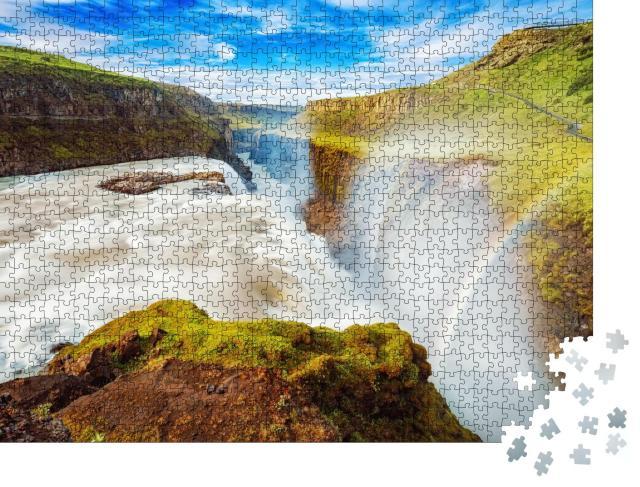 """Puzzle 1000 Teile """"Gullfoss Wasserfall mit Regenbogen in Island, Europa"""""""