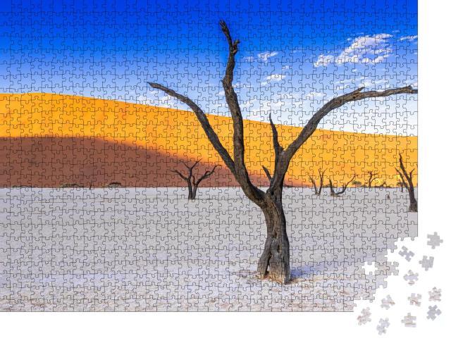 """Puzzle 1000 Teile """"Beeindruckende Naturlandschaft: Salzpfanne im Deadvlei, Namibia"""""""