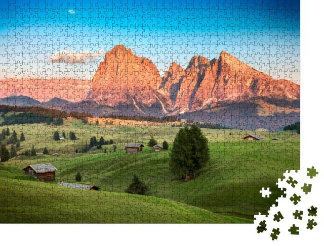 """Puzzle 1000 Teile """"Seiser Alm mit Langkofelgruppe im abendlichen Sonnenlicht, Südtirol"""""""