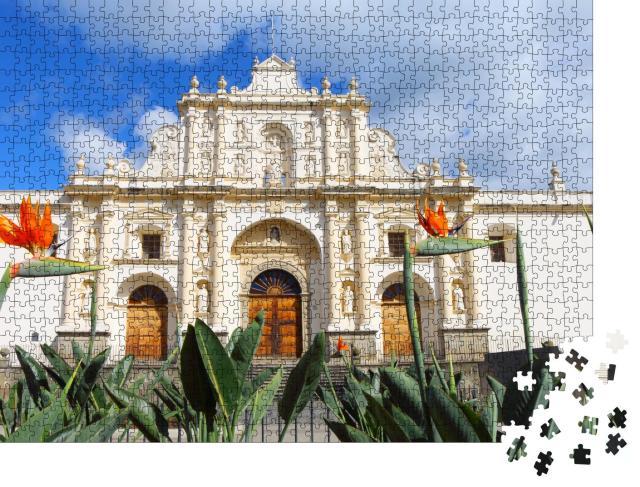 """Puzzle 1000 Teile """"Imposante Kathedrale San José von Antigua, Guatemala"""""""