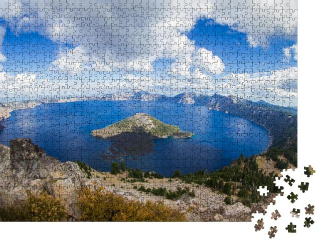"""Puzzle 1000 Teile """"Geheimnisvoller Crater Lake in Oregon, USA"""""""