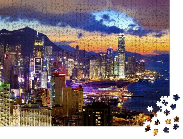 """Puzzle 1000 Teile """"Hell erleuchtetes Hongkong im Sonnenuntergang"""""""