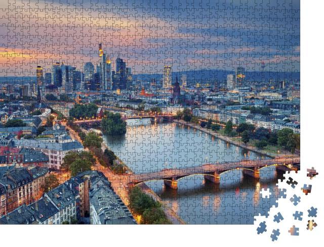 """Puzzle 1000 Teile """"Frankfurt am Main in der Dämmerung"""""""
