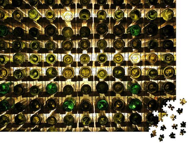 """Puzzle 1000 Teile """"Abstrakte Fotografie: Weinflaschen im Weinregal"""""""