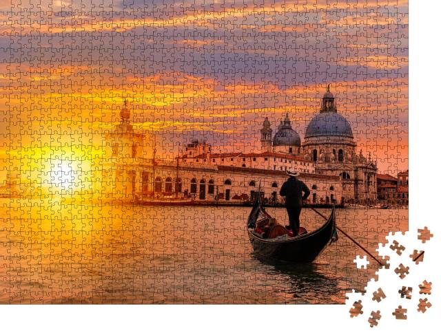 """Puzzle 1000 Teile """"Gondoliere mit Gondel auf einem Kanal, Venedig, Italien"""""""