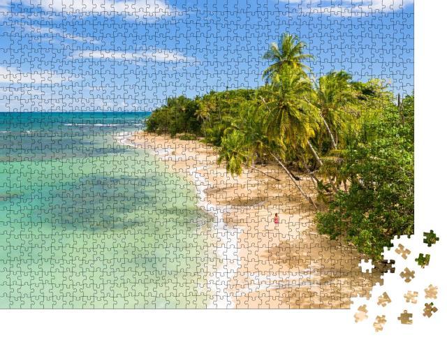 """Puzzle 1000 Teile """"Karibischer Sandstrand unter Palmen"""""""