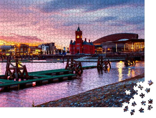 """Puzzle 1000 Teile """"Waterfront bei Nacht, Sonnenuntergang in Cardiff, Wales"""""""