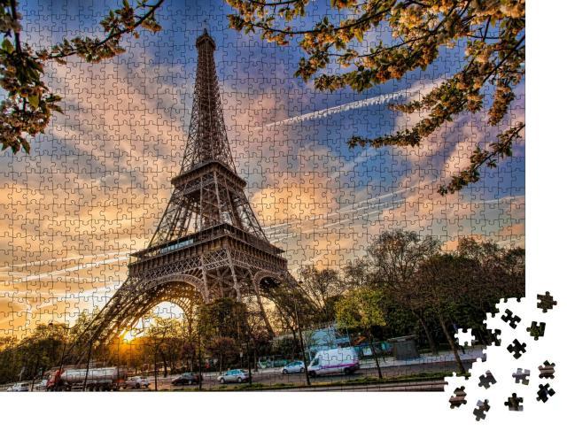 """Puzzle 1000 Teile """"Eiffelturm mit Frühlingsbaum, Paris, Frankreich"""""""