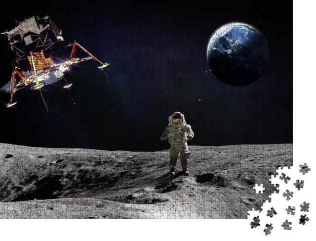 """Puzzle 1000 Teile """"Mondoberfläche mit Astronaut und landendem Raumschiff"""""""