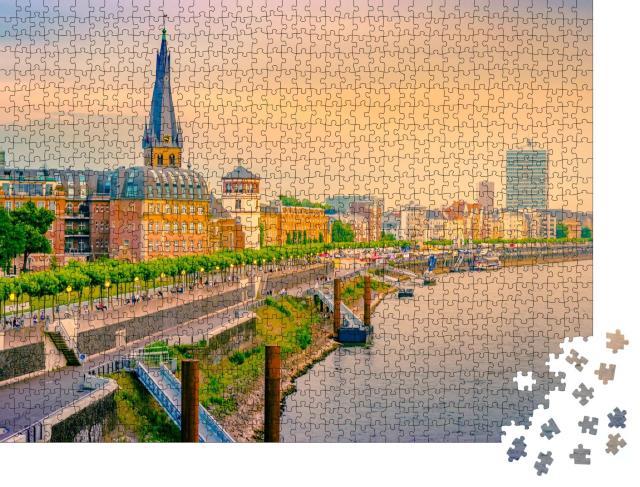 """Puzzle 1000 Teile """"Rheinterassen in Düsseldorf"""""""