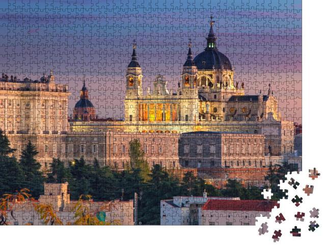 """Puzzle 1000 Teile """"Abendstimmung in Madrid - Kathedrale Santa Maria und Königspalast"""""""