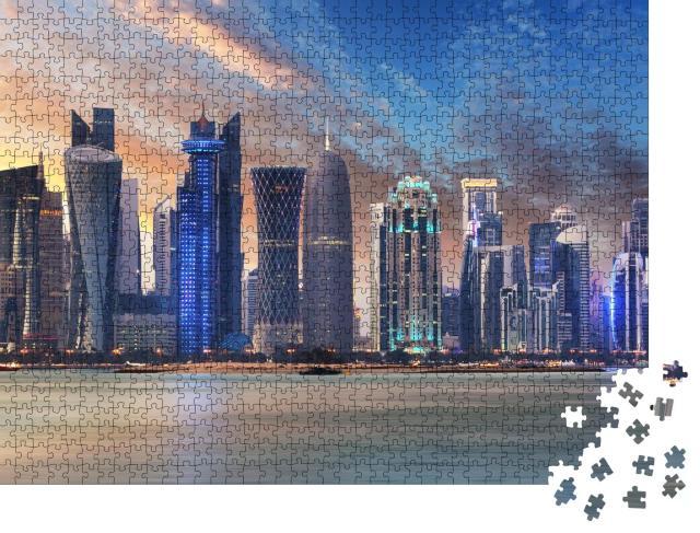 """Puzzle 1000 Teile """"Skyline von West Bay mit Doha City Center bei Sonnenaufgang, Katar"""""""