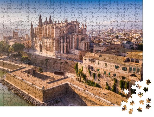 """Puzzle 1000 Teile """"Luftaufnahme der historischen Kathedrale in Palma de Mallorca"""""""