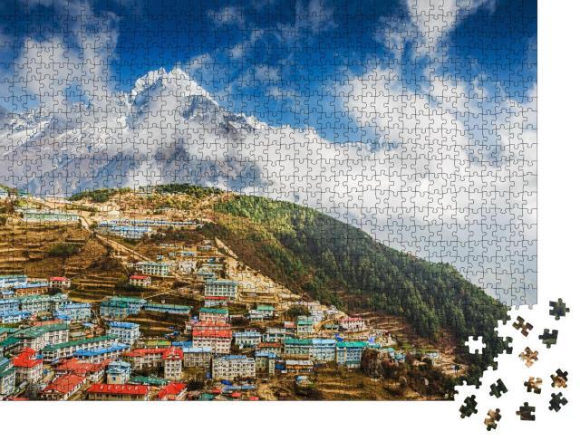 """Puzzle 1000 Teile """"Namche Bazar und Berg Thamserku, Everest-Basislager-Trek, Nepal"""""""