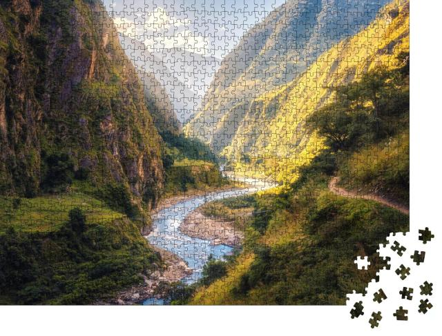 "Puzzle 1000 Teile ""Wunderschönes Tal vor den Himalaya-Bergen"""