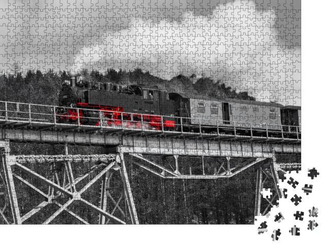 """Puzzle 1000 Teile """"Dampflokomotive in Oberwiesenthal, Sachsen"""""""